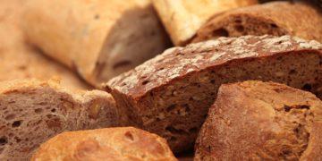 Jak w sklepie wybrać wartościowy chleb?